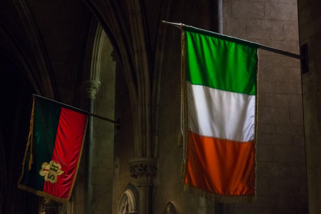 Irische Flagge in der St. Patricks Kathedrale